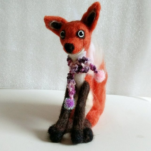 Felicia Fox needle felt sculpture